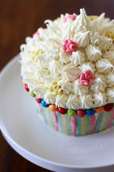 Giant Vanilla Cupcake with Vanilla Buttercream Frosting