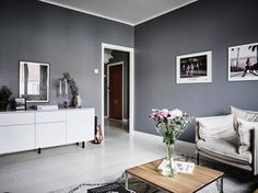 Dark walls and a bright kitchen - via cocolapinedesign.com