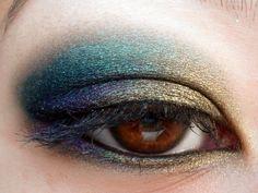 ♥ En admiration devant le sublime makeup Lily Lolo d'A-Muse Blog ♥   Tous les fards à paupières sont dispo ici http://www.ayanature.com/fr/73-fards-a-paupieres