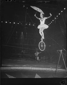 Tightrope Walker Rolling lol on a unicycle Old Circus, Circus Art, Night Circus, Circus Theme, Royal Ballet, Vintage Circus Performers, Art Du Cirque, Circus Aesthetic, Creepy Circus