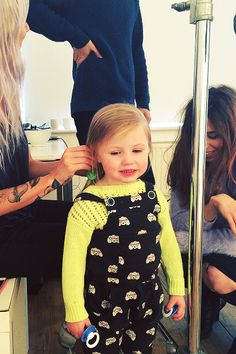 Lux Atkin and her mom Lou Teasdale Harry And Lux, Lux Hair, Baby Lux, Teasdale, One Direction Concert, Baby Rocker, Team Mascots, Hands Together, How To Have Twins