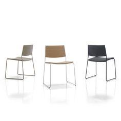 Chaise visiteur contemporaine / en bois / empilable / luge MAY by Francesc Rifé INCLASS MOBLES