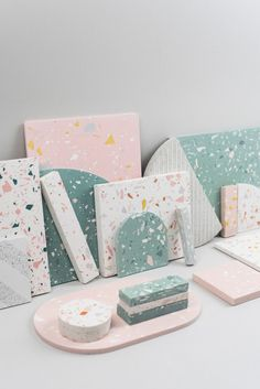 Where to find cheap terrazzo tiles? A designer tray as a decorative accessory – Home decor ideas: terrazzo tray // … Plateau Design, Meeting Room Booking System, Kitchen Backplash, Decorative Accessories, Decorative Boxes, Kitchen Logo, Terrazzo Tile, Milk Shop, Bath Girls