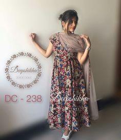 Kalamkari Designs, Churidar Designs, Kurti Neck Designs, Dress Neck Designs, Kurta Designs Women, Kurti Designs Party Wear, Blouse Designs, Indian Attire, Indian Outfits