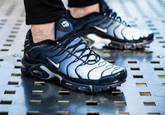 "#sneakers #news The Nike Air Max Plus Features A ""Navy Fade"" Gradient Upper"