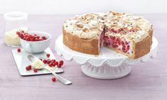 Currant meringue cake Tr ublestorte - The world's most private search engine Fruit Flan, Meringue Cake, Something Sweet, Vanilla Cake, Baking Recipes, Cheesecake, Food And Drink, Yummy Food, Delicious Recipes