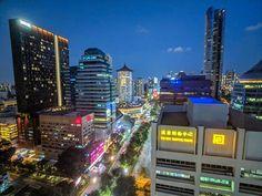 Hilton Singapore rooftop views  #travelasia #singapore #shotonmoment #shotonpixel2xl #mobilephotography #nightphotography #cityscape #cityphotography City Photography, Mobile Photography, Business Travel, Asia Travel, Rooftop, Singapore, Times Square, Instagram, Rooftops