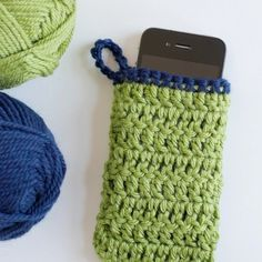 Keep your phone nice and cozy with this simple crochet pattern. thanks so xox
