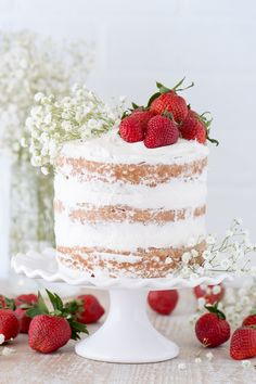 Strawberries and Cream Naked Cake. This strawberry naked cake is made with fresh pureed strawberries and is paired with homemade sweet cream whipped cream! Nake Cake, Homemade Sweets, Strawberry Cakes, Strawberry Whipped Cream Cake, Strawberry Shortcake Birthday Cake, Cream Wedding, Strawberries And Cream, Chocolate Strawberries, Covered Strawberries