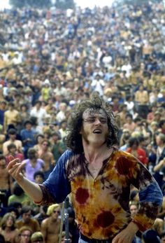 Joe Cocker at the 1969 Woodstock Festival. 1969 Woodstock, Woodstock Festival, Woodstock Hippies, Woodstock Music, Woodstock Photos, Joe Cocker, Mundo Hippie, Estilo Hippie, Rock Music