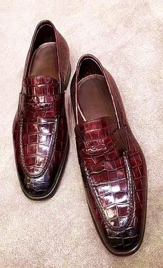 Alligator Leather Penny Loafers Formal Slip-On Shoes - Alligator Leather Penny Loafers Formal Slip-On Shoes Source by ourruobag - Dress Loafers, Loafer Shoes, Men's Shoes, Dress Shoes, Penny Loafers, Leather Loafers, Loafers Men, Mens Shoes Boots, Moda Masculina