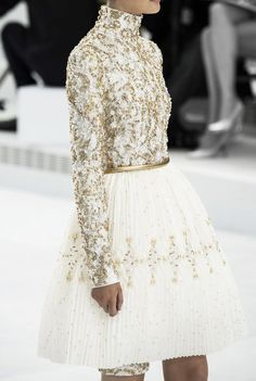 soullovelyfashion:  Chanel Fall Winter 2014 Haute Couture. More...