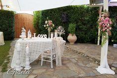 Gisela - Αποξήρανση ανθοδέσμης Wedding Decorations, Table Decorations, Outdoor Furniture, Outdoor Decor, Home Decor, Decoration Home, Room Decor, Wedding Decor, Home Interior Design