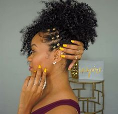 Elegant Afro Hairstyles Natural Hair - The latest trends .- Stylish Afro Hairstyles for Natural Hair – The Latest Hairstyle Trends Cabello Afro Natural, Pelo Natural, Natural Hair Tips, Natural Hair Inspiration, Natural Hair Journey, Natural Hair Styles, Natural Twists, Afro Hair Style, Curly Hair Styles