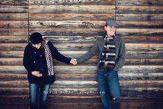 Winter Maternity Photo Shoot Ideas - Sortrature