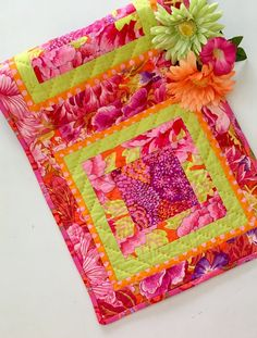 BOHEMIAN TABLE RUNNER Hereu0027s The Pop Of Pink That Youu0027ve Been Looking For!