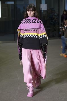https://www.vogue.com/fashion-shows/fall-2018-ready-to-wear/msgm/slideshow/collection#24