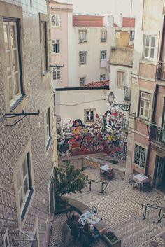 Lisbon | São Cristóvão Stairs in Mouraria | The Lisboners