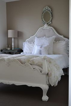 possible to upholster our bed like this, with padding in the headboard? Need to find a tutorial how to do it...