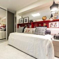 Bom diaaaa com esse quarto lindo by @danieladantasarquiteta piso @companhiadomarmore  snap: Decoredecor Project: Daniela Dantas  ARCHITECTURE   INTERIORS   BEDROOM