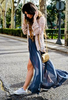 (JACKET Zara New Collection, SKIRT Zara, SHOES Converse, BAG Marc Jacobs, NECKLACE Blanco New Collection)