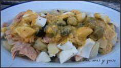 Aprende a preparar ensalada de patatas con vinagreta de mostaza con esta rica y fácil receta. Las ensaladas de patata son muy versátiles y con el calor apetecen aún...