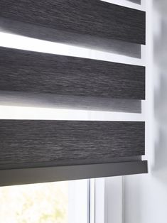 #duorolgordijnen #raamdecoratie Window Coverings, Roman Shades, Windows, Home Decor, Shades, Blinds, Houses, Interiors, Decoration Home