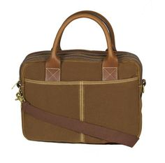 Frankfurt Field Brief (British Tan)  A Briefcase is an integral component to the stylish man's working wardrobe. First impressions go a long way and a briefcase can certainly demonstrate you deserve that seat at the boardroom table. Masculine, useful and professional—a briefcase provides the functionality of an everyday bag.   #blueclawco #blueclaw #mensbag #bagsformen #bags #briefcase