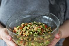 Salata de naut cu avocado Veg Recipes, Cooking Recipes, Food Tasting, Vegetarian Cooking, Couscous, Guacamole, Avocado, Salads, Food And Drink