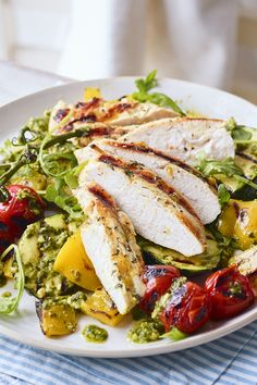 The perfect summer supper, a quick griddled chicken breast with charred, griddled tomatoes, courgettes and peppers. Full of summery flavour. Zucchini, Healthy Dinner Recipes, Cooking Recipes, Pesto Salad, Savoury Dishes, Savoury Recipes, Mediterranean Diet Recipes, Light Recipes, Main Meals