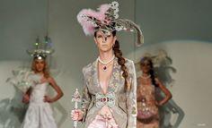 #fashionshow #fashion #jewellery #jewelery #sperky #moda #swarovski #madeinjablonec #czech www.fabos.cz www.efabos.cz www.fabolous.cz Made in Jablonec 2015. Módní přehlídka. Swarovski, Crown, How To Make, Jewelry, Fashion, Corona, Jewlery, Moda, Jewels