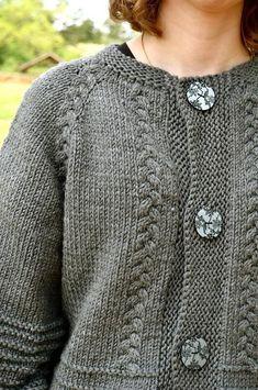 Scarlett's Cardy - Beautiful Top-down with a twist in chunky wool - Annie Riley Crochet Fall, Knit Crochet, Crochet Capas, Grey Gloves, Christmas Knitting Patterns, Lang Yarns, Chunky Wool, Yarn Brands, Arm Knitting