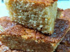 """Νόστιμη συνταγή μαγειρικής από """"Lilqna Petrova-ΣΥΝΤΑΓΟΠΑΡΕΑ"""" 1 φλιτζάνι=250 μλ. Υλικά 1,5 φλιτζάνι σιμιγδάλι ψιλό 1,5 χυμό πορτοκάλι φυσικό 1,5 φλιτζάνι ζάχαρη 1,5 φλιτζάνι αλεύρι για όλες τις χρήσεις 2 βανίλιες 10 γραμμάρια (3 κ.γλ.) μπέικιν πάουντερ 0,5 κουταλάκι σόδα μαγειρική 1/2 φλιτζάνι Cornbread, Sweet Recipes, Banana Bread, Delicious Desserts, French Toast, Sandwiches, Food And Drink, Sweets, Vegan"""