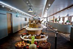 Restaurant / Buffet Le Marché Gourmand à bord de l'Horizon, navire de Croisières de France