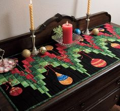 of runner! table What response runner table you, patchwork the beautiful ideas By customers a our Table Runner And Placemats, Table Runner Pattern, Quilted Table Runners, Christmas Patchwork, Christmas Sewing, Christmas Projects, Christmas Quilting, Christmas Music, Christmas Images