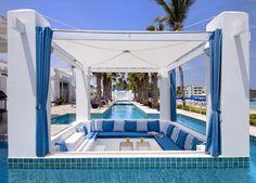 Ferienvilla - Luxury Villa Rental in St. Maarten, Caribbean - www.casalio.com -  Perfect for couples, families, or anyone longing to be pampered in warm and sunny Dutch St. Maarten. #luxuryvilla #holiday #holidayvilla #ferienvilla #italienvilla #casavacanze #villalujo #stmaarten #stmartinvilla #caribbeanvilla #casalio #caribbean #italy #urlaub #reise #hotel #hotelintuscany #talamonevilla #talamone