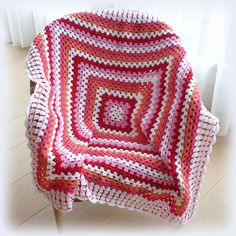 Studio 92 Designs: Granny Square babydeken met patroon