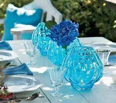 Google Image Result for http://justjaime28.wordpress.com/files/2009/05/partylite-summer-elegance-white-and-blue-tablescape-centerpiece-ideas.jpg
