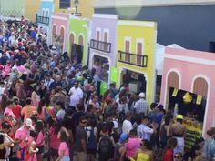 Las esperadas Fiestas de la calle San Sebastián en el Viejo San Juan, marcan el fin de las Navidades en Puerto Rico. Este año no es la excepción, por lo que compartimos el itinerario de las actividades que se llevaran a cabo desde el próximo jueves.