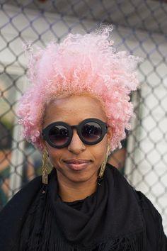beautyandnaturalhair:  colorfulcuties:  Essence Magazine: Street Style Hair: Natural Bombshells ❤  Her hair looks so dope