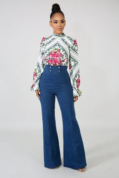 Bell Bottom Pants, Bell Bottoms, Curvy Outfits, Classy Outfits, 70s Fashion, Fashion Pants, 70s Inspired Outfits, Trouser Outfits, Curvy Jeans