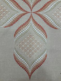 Risultati immagini per ponto reto Broderie Bargello, Bargello Needlepoint, Needlepoint Stitches, Needlework, Swedish Embroidery, Hardanger Embroidery, Embroidery Stitches, Hand Embroidery Designs, Embroidery Patterns