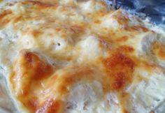 Baconos-sajtos-tejfölös csirkemell tepsiben recept képpel. Hozzávalók és az elkészítés részletes leírása. A baconos-sajtos-tejfölös csirkemell tepsiben elkészítési ideje: 55 perc