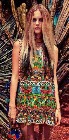 Bohemian - boho - ☮k☮ Boho Gypsy, Hippie Boho, Estilo Hippie, Bohemian Mode, Bohemian Style, Ethnic Style, Mexican Fashion, Ethnic Fashion, Boho Fashion