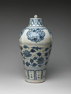 Bottle with Peony Scroll  Period:     Yuan dynasty (1271–1368) Date:     mid-14th century Culture:     China
