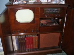 GE TV, radio and turntable late 1940's