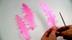 HairBow Center demonstrates how to put that perfect curl in your feathers for… Handmade Flowers, Diy Flowers, Fabric Flowers, Paper Flowers, Feather Crafts, Feather Art, Flower Crafts, Feather Headband, Ribbon Art
