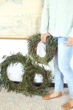 Simple steps to create your own eucalyptus willow wreath. DIY eucalyptus willow wreath. thedempsterlogbook.com