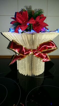 Christmas book folding flower vase