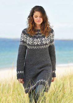 Klik på billedet, for at lukke vinduet Hand Knitted Sweaters, Sweater Knitting Patterns, Knitted Shawls, Knitting Designs, Icelandic Sweaters, Knit Leg Warmers, Big Knits, Casual Street Style, Knit Dress